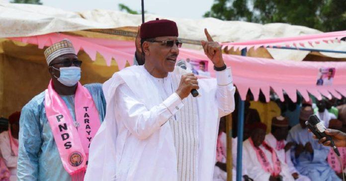 Présidentielle au Niger : le candidat Mohamed Bazoum multiplie ses tournées de prise de contact
