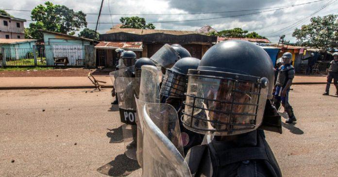 Guinée : l'ONG « Tournons la Page » dénonce la détention Oumar Sylla