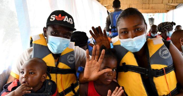 Le représentant du HCR en RDC aux cotés des réfugiés centrafricains