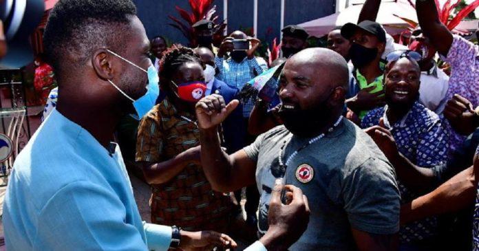 Ouganda: liberation des compagnons de Bobi Wine