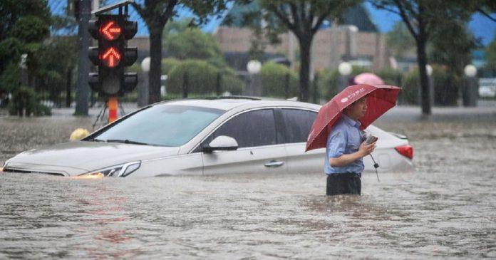 Inondations en Chine , les pluies diluviennes poursuivent leur danse macabre
