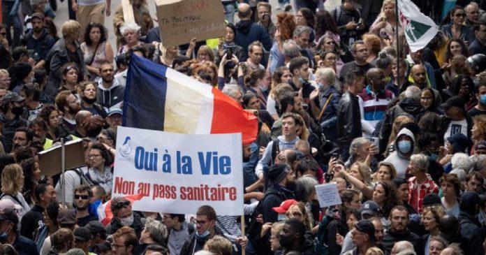 Pass sanitaire en France , les non-dits des manifestations de ce 14 juillet