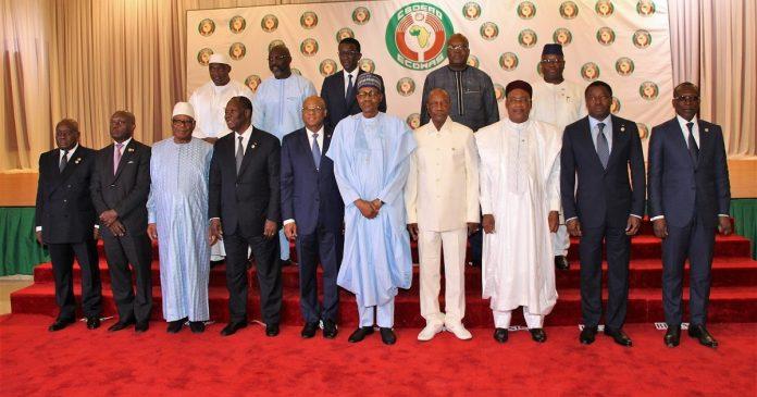 Coups d'Etat militaires en Afrique de l'ouest , la CEDEAO, un colosse aux pieds d'argile