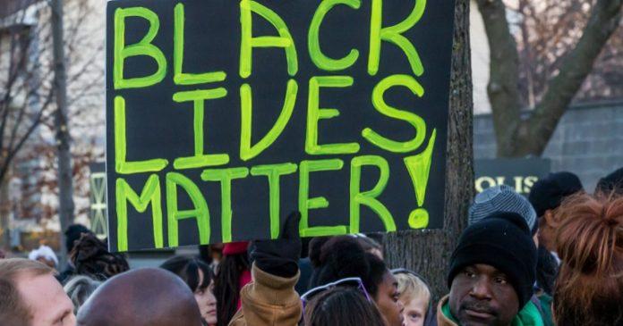 Etats-Unis , grâce posthume pour des noirs exécutés pour viol