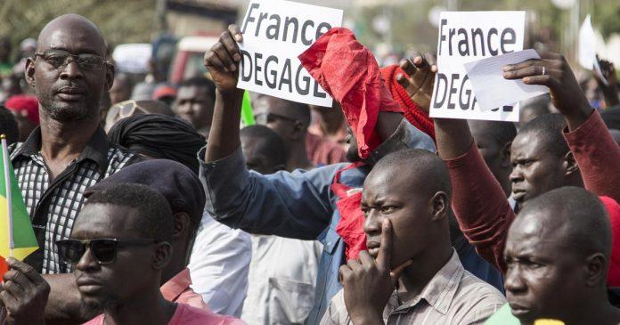 Ingérence internationale au Mali , les populations manifestent pour dire non !