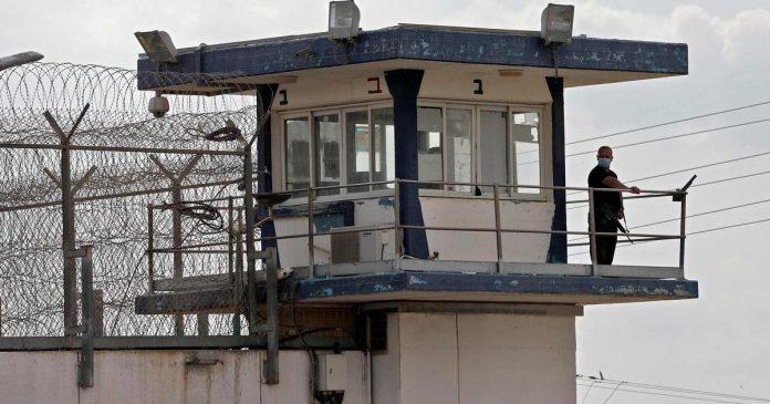 Israël , évasion spectaculaire de six prisonniers palestiniens